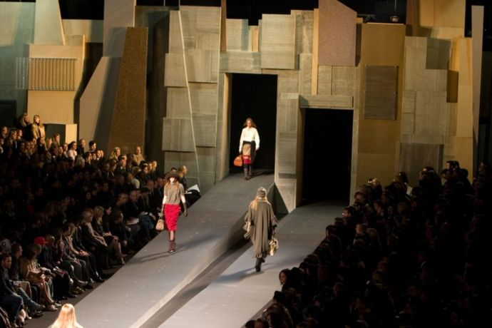 Marc Jacobs Fashion Show Runway Design Creative Engineering Catwalk Design Stage Design Design