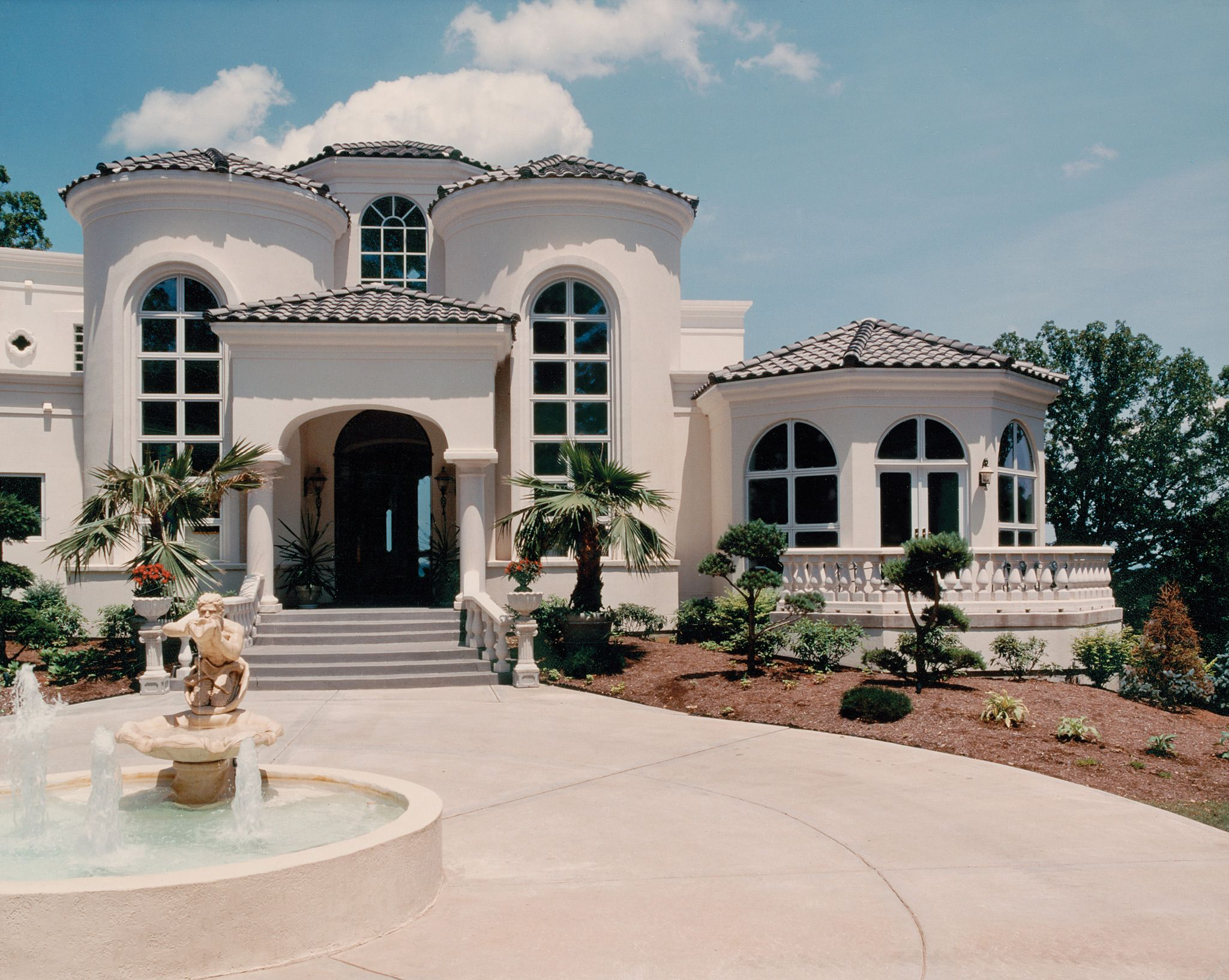 Mediterranean tuscan homes the world 39 s for Luxury home exteriors