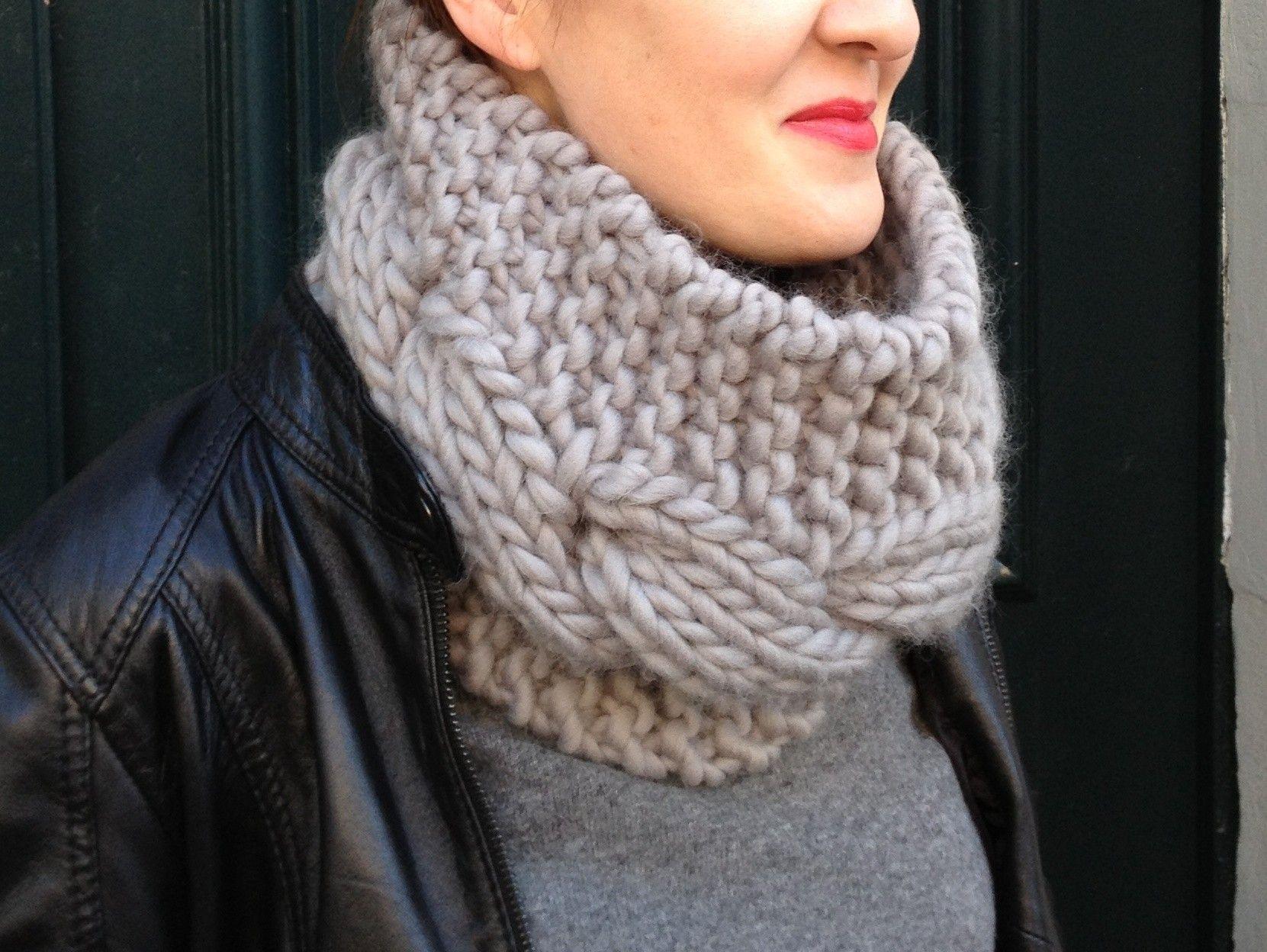 tricoter un snood avec torsades