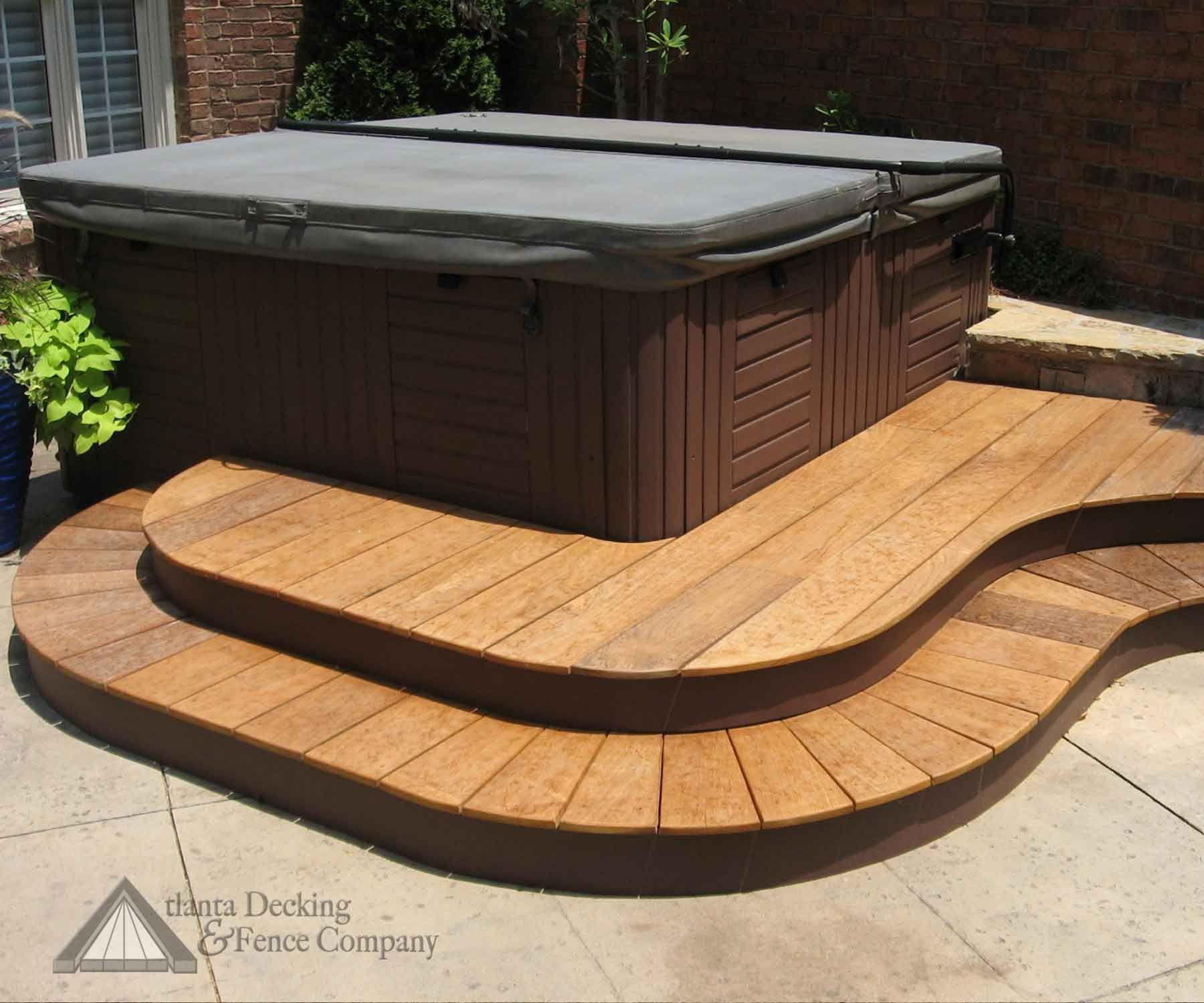 Hot Tubs Pictures - Hot Tub Spa Curved Steps