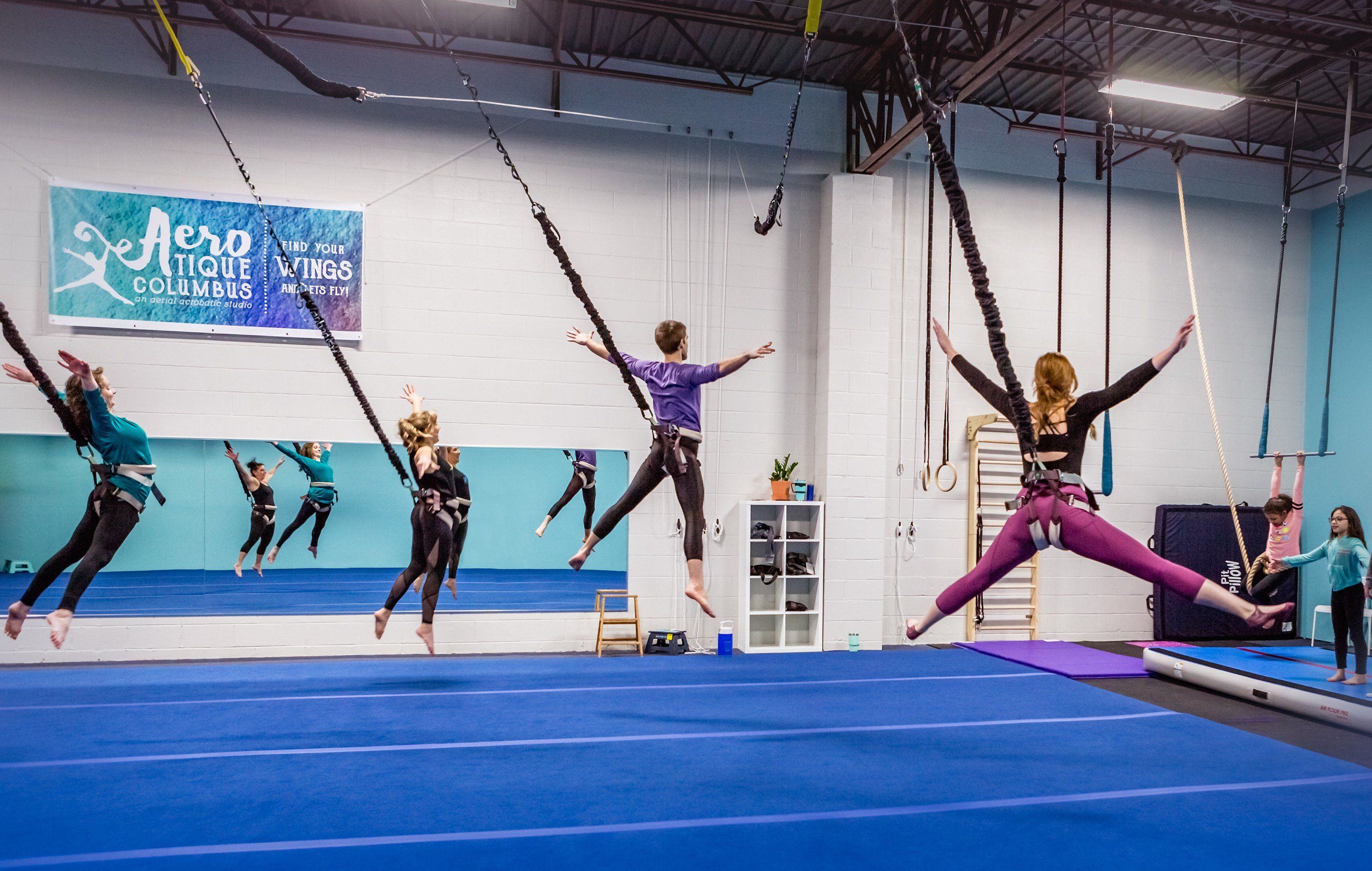 Bungee Dance Fitness At The Aerial Classroom Youtube Bungee Workout Dance Workout Workout
