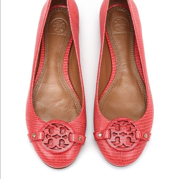 Pull-tab at backstay. Color is called Melon Tory Burch Shoes Flats & Loafers