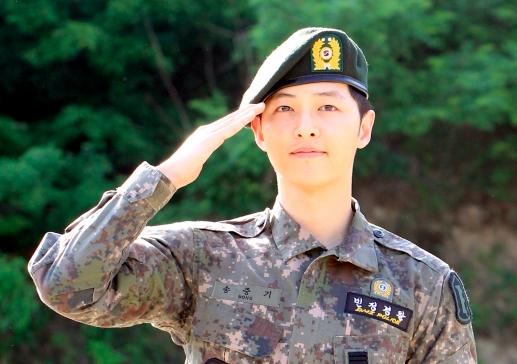 Song Joong Ki Receives Glowing Performance Review From Military Source Song Joong Ki Joong Ki Song Joong Ki Cute