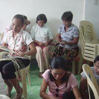 Our PANDAN weavers/artisans www.ecofriendlymarket.net