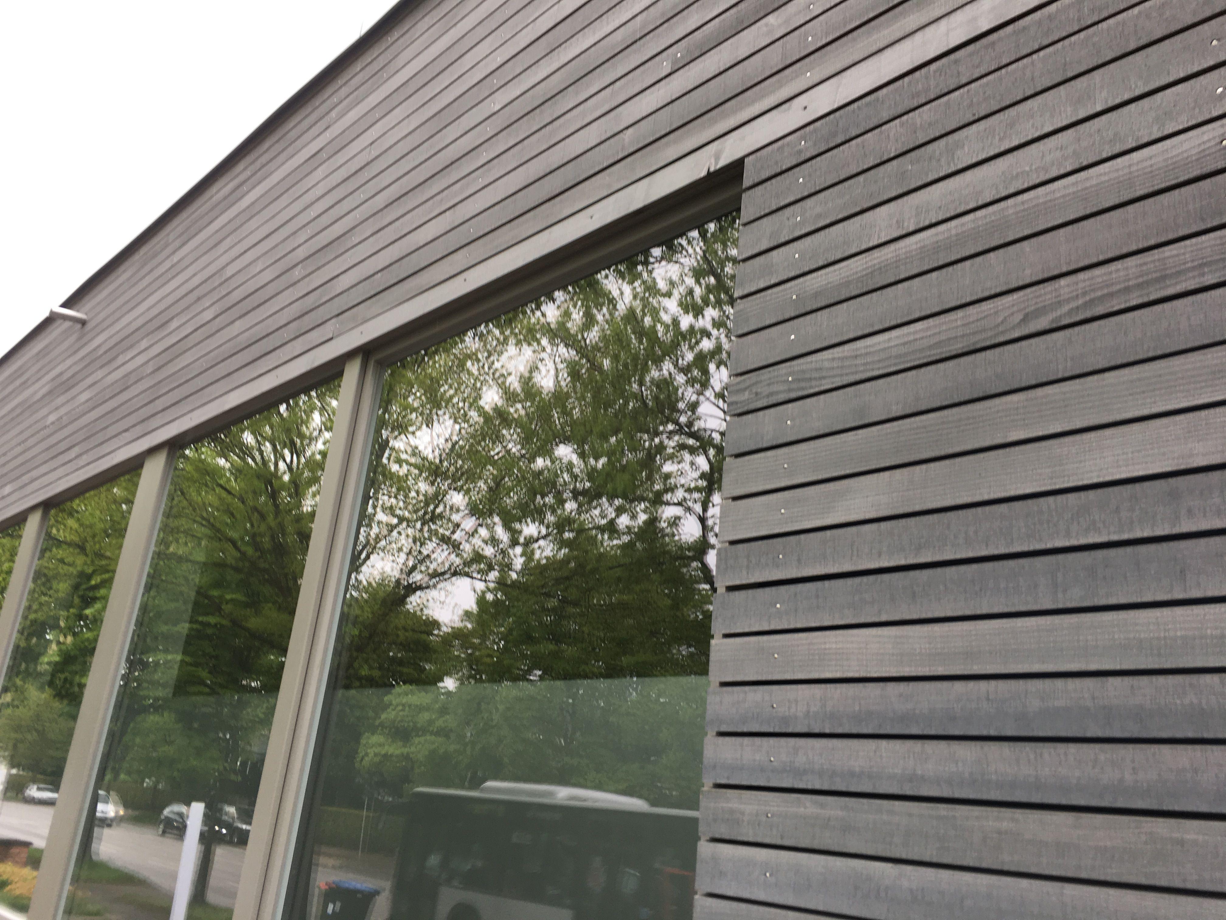 Holzfassade Fichte Mit Grauer Oberflache Holzfassade Fassade