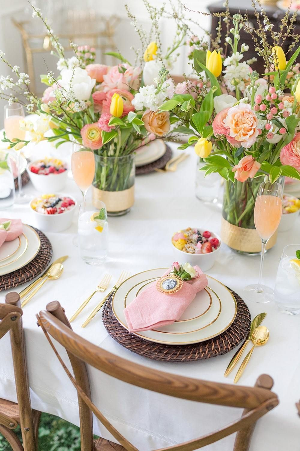 Mother S Day Table Setting Ideas And Gift Guides Brunch Table