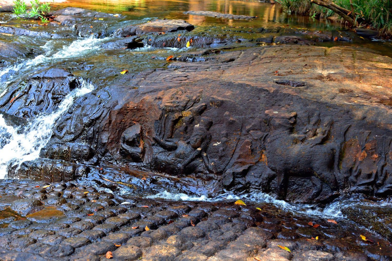 alaninsingapore: Kbal Spean. (ក្បាលស្ពាន) Angkor, Cambodia   Angkor,  Cambodia, Waterfall