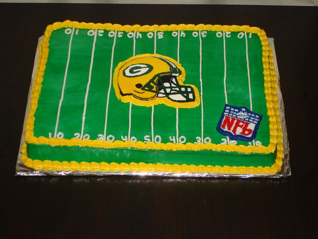 Super Bowl  Cake With Teddy Grahams