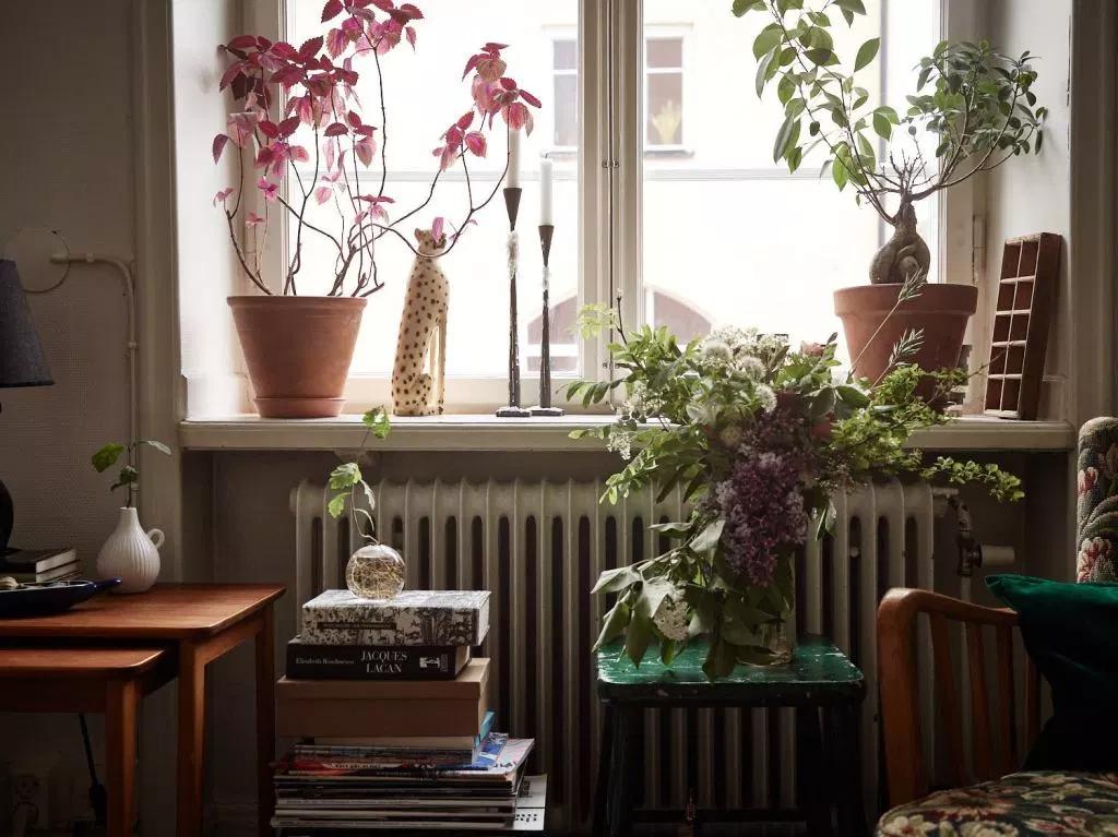 Photo of Un canapé astucieux fait maison dans un appartement 100% récup – PLANETE DECO a homes world