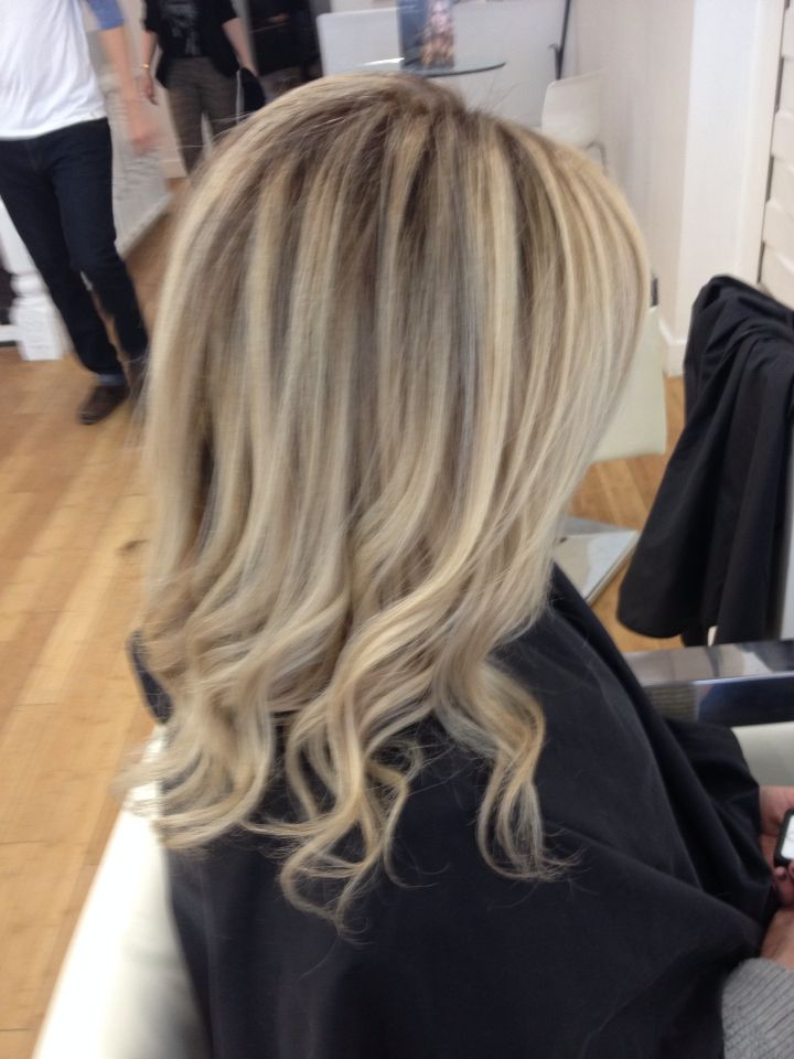 Olaplex Blonde She Came In With Natural Level 4 Hair And Level 8 Highlights We Foiled Some And Used Bayalage On Th Hair Styles Medium Length Hair Styles Hair
