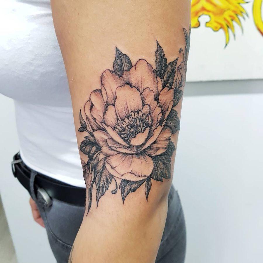 10 magnifiques id es de tatouages pivoines tatouages pivoine pinterest tatouage pivoine. Black Bedroom Furniture Sets. Home Design Ideas
