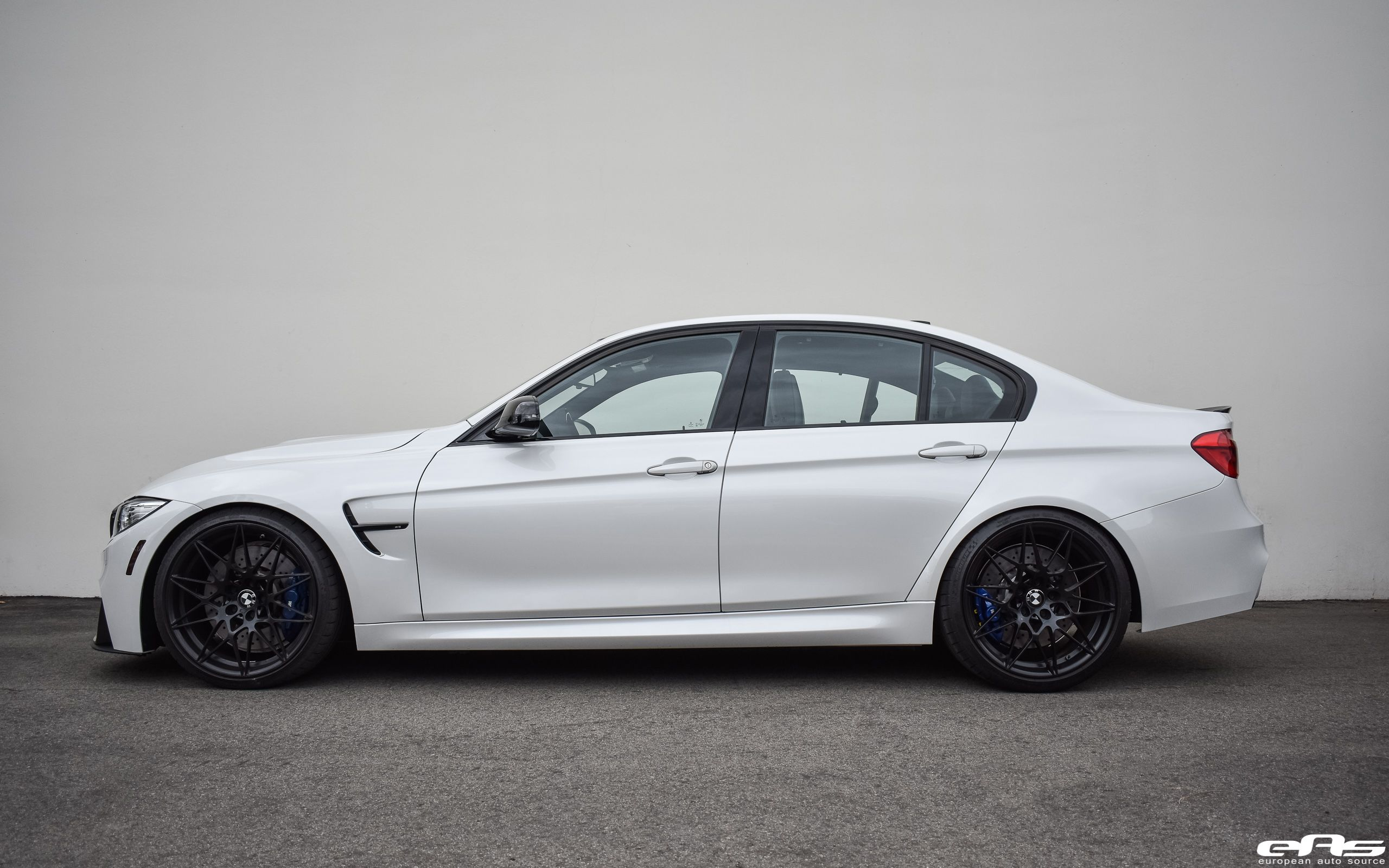 Mineral White Competition Package Photos Video Bmw M3 Competition