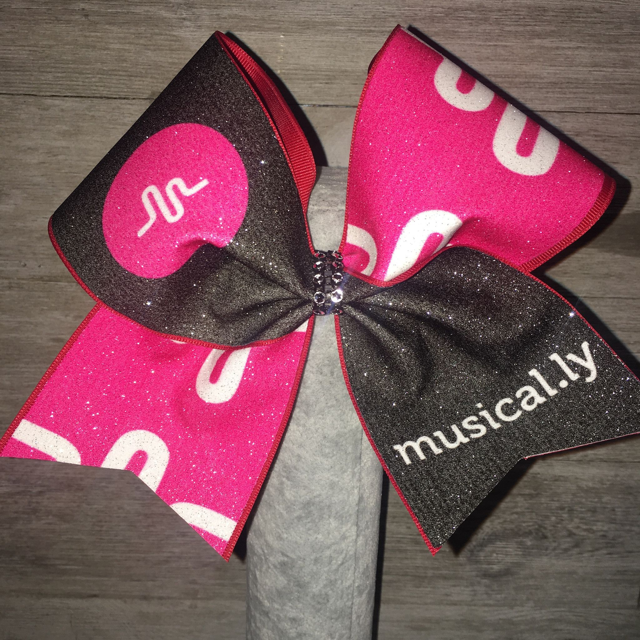 Musical.ly Cute cheer bows, Glitter cheer bow, Jojo siwa