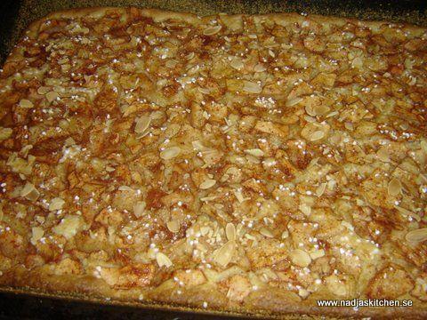 knäckig äppelkaka långpanna