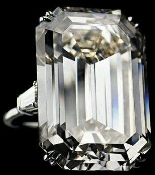Jackie's 40.42 carat diamond from Aristole Onassis.