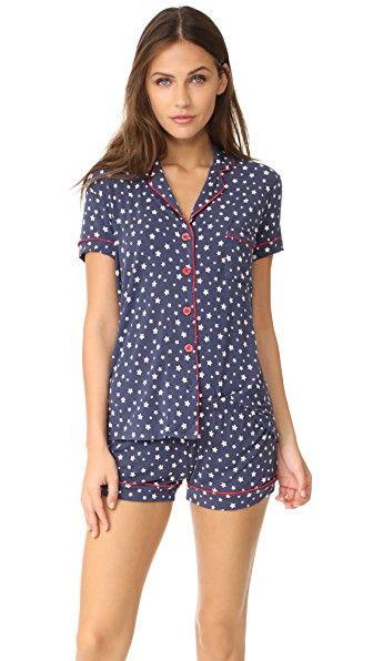 a6ff18e893 ¡Consigue este tipo de pijama básico de PJ Salvage ahora! Haz clic para ver
