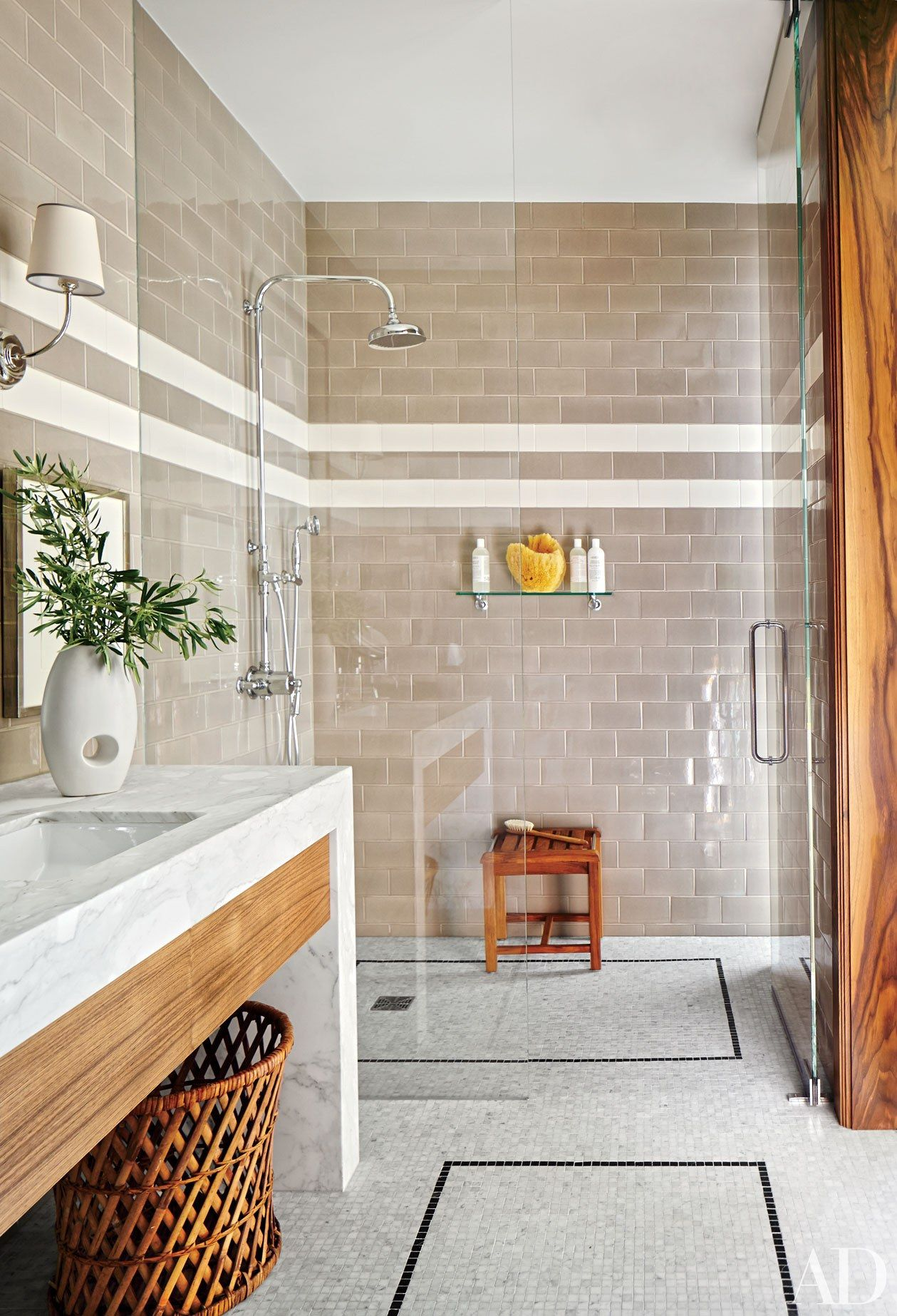 Guest Bathroom Decorating Inspiration Photos - Architectural Digest