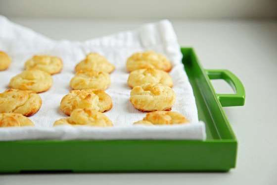 Master the method for making gruyère gougères, and a whole wide world of pâte-à-choux party favorite... - POPSUGAR