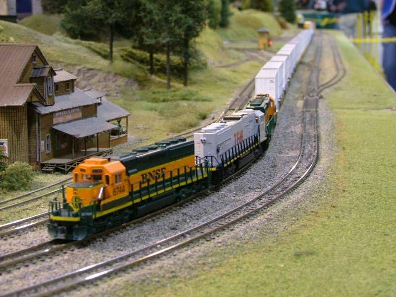 Model Electric Trains
