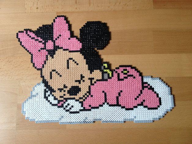 Minnie en bebe qui dort sur son nuage celebre personnage de disney fabrique en perles hama - Personnage disney bebe ...