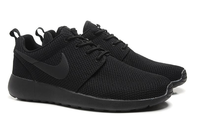 buy popular fcf7d 4784b Nike Roshe Run Mens All Black Training Shoes