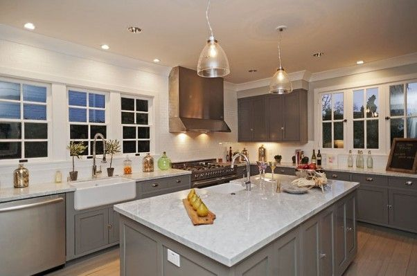 Lovely Kitchen W Gray Cabinets Not So Keen On Marble Countertops Though Home Kitchens Classic Kitchens Contemporary Kitchen Tables