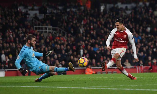 Alexis Sanchez Of Arsenal Has His Shot Saved By David De Gea Of Man Utd During The Premier League Arsenal Vs Manchester United Manchester United Premier League