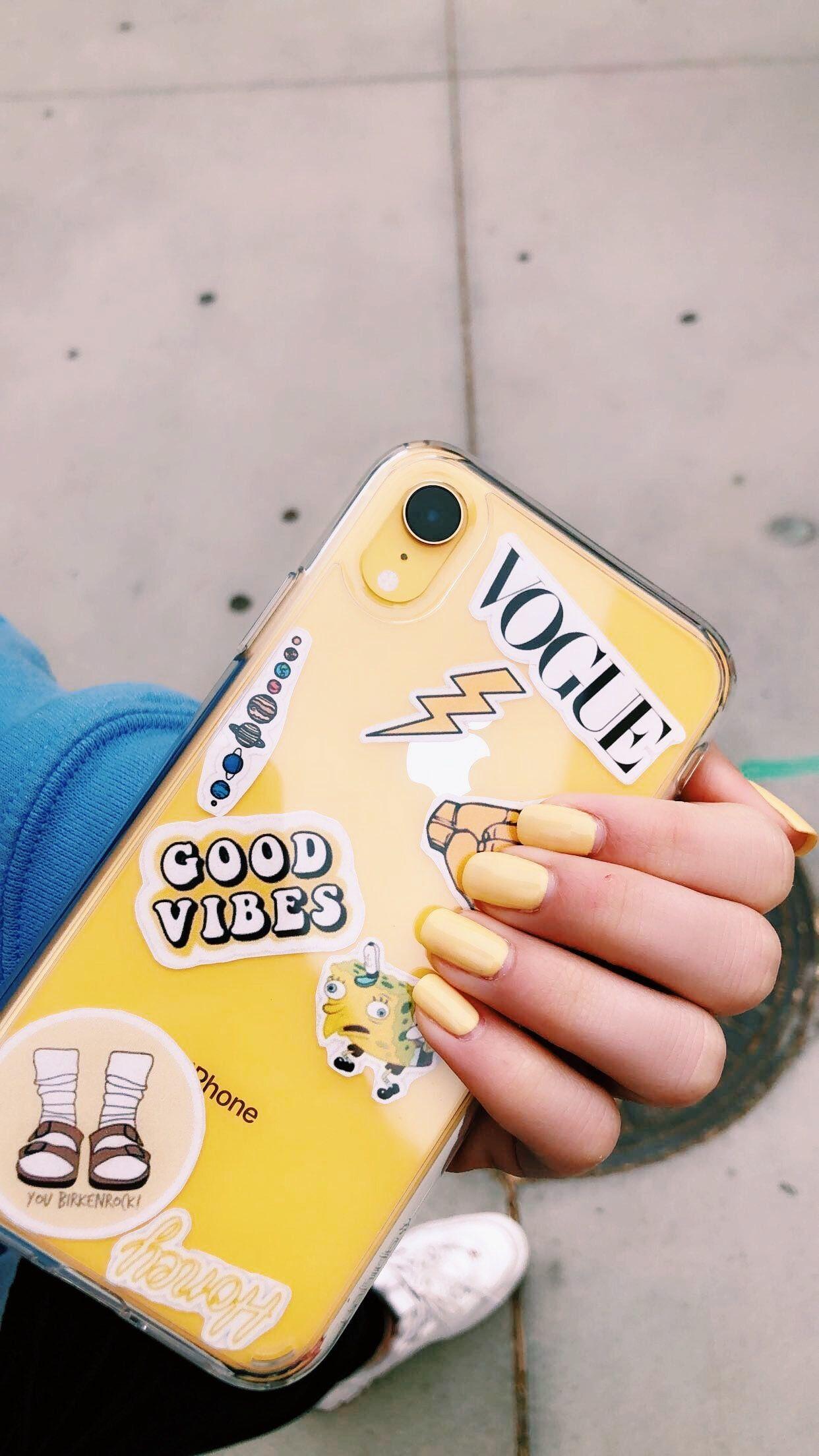giallo iphone disegno xr xD   Yellow phone cases, Apple phone case ...