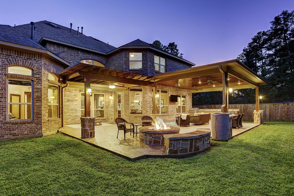 Gorgeous Covered Patio With Outdoor