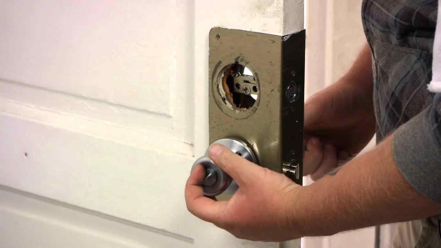 easylock portable temporary travel door lock indiegogo upvc ...