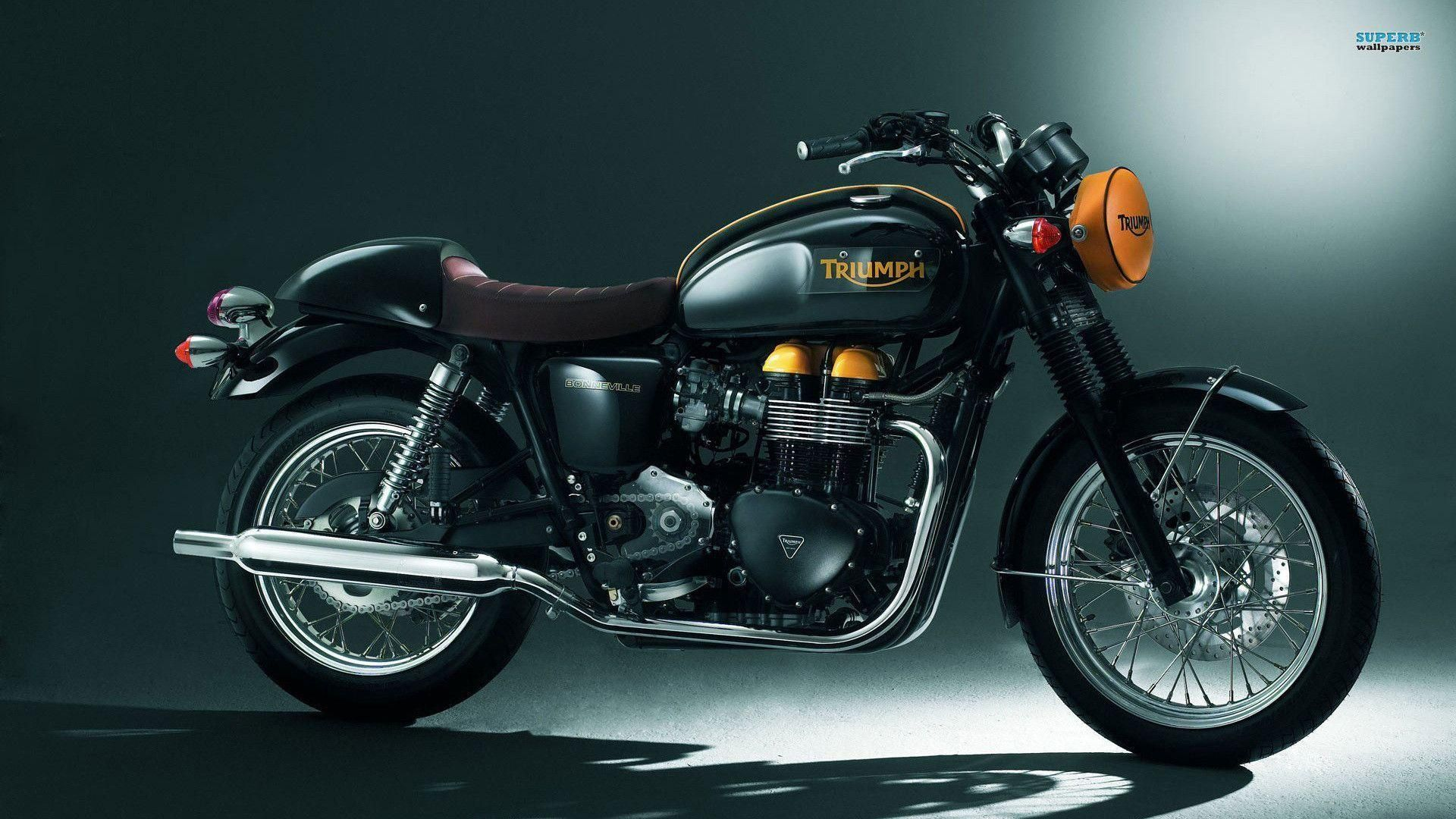First Gallery Post By Virender In 2020 With Images Triumph Motorcycles Triumph Bonneville Motorcycle Wallpaper