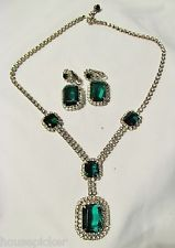 Vtg Couture Juliana D&E Demi Parure Emerald Green Rhinestone Necklace Earrings