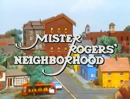 Tv Mr Rogers Neighborhood 25 Dvd Set Over 150 Episodes Mister Rogers Neighborhood Mr Rogers The Neighbourhood