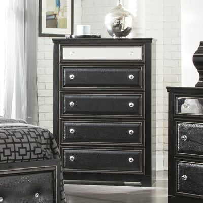 Signature Design by Ashley Alamadyre 5 Drawer Chest
