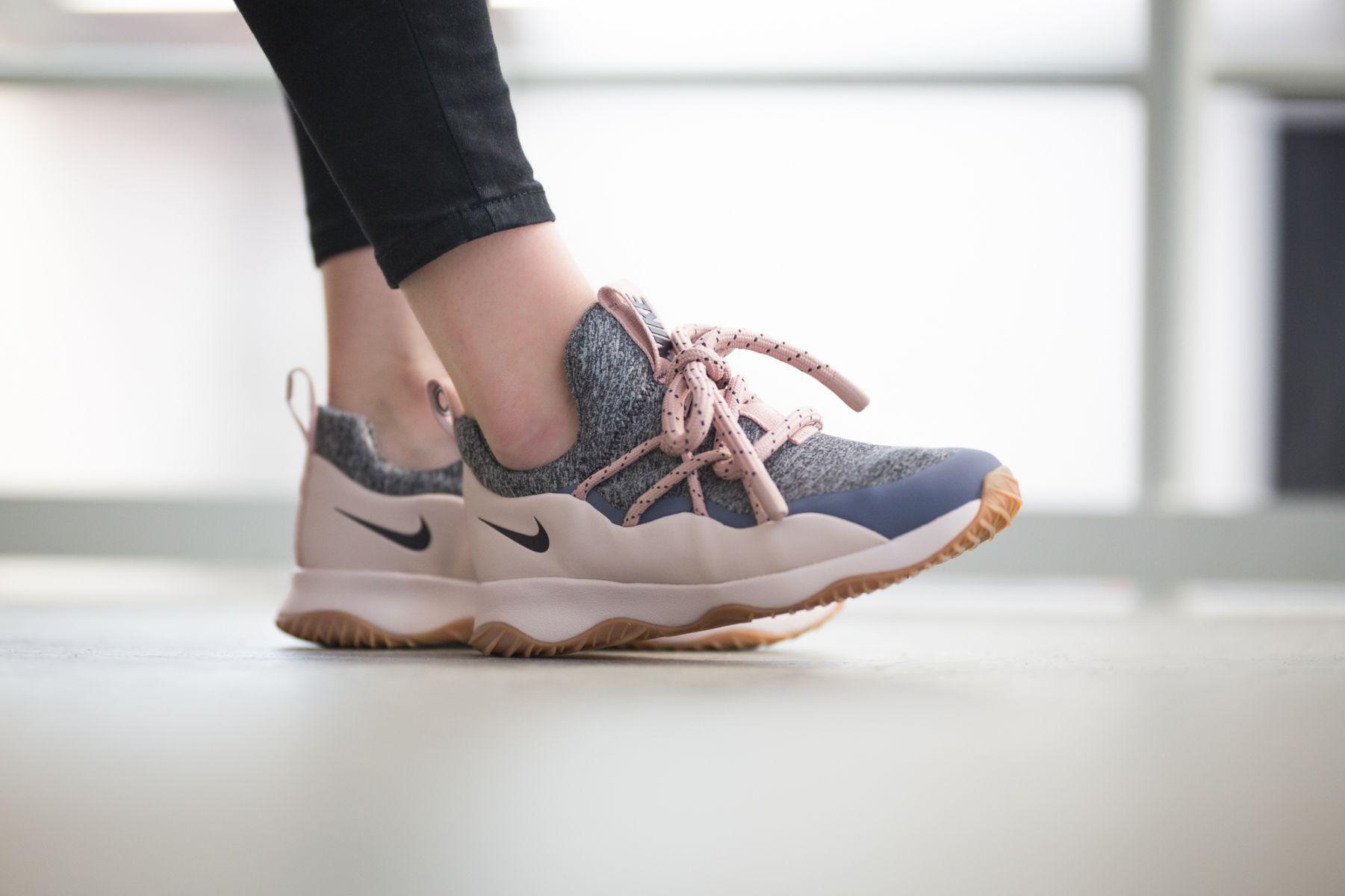 7b8a899dfe4 Nike City Loop (Pink Grey)