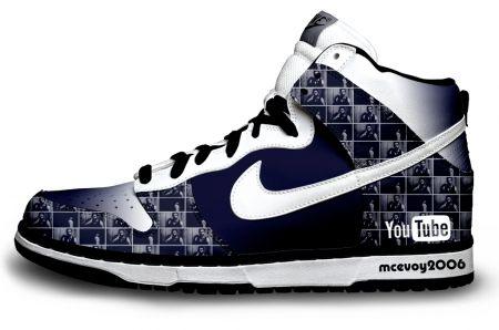 ea63cd907 Tênis personalizado You Tube, what? Why isn't red? Nike Dunks,
