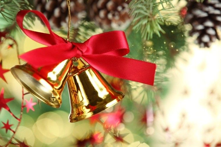 e22c76d94ccf3 campanas con lazo rojo para decorar el árbol de navidad