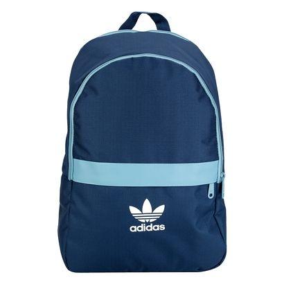 fa50304e6 O visual jovem da Mochila Adidas Ess Adicolor Azul e Azul claro complementa  suas diferentes produções