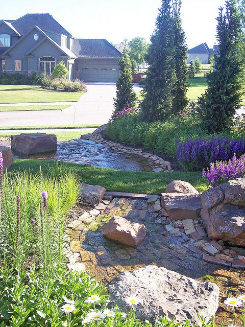 Water Feature In Backyard And Side Of Omaha Nebraska Home Unique Stone Was Built By Lanoha Nurseries