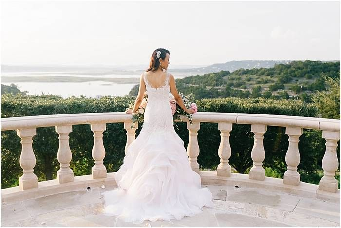 Soft romantic chic wedding at Villa del Lago in Austin TX ...