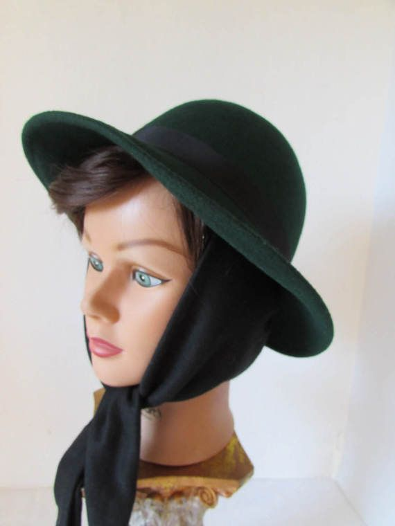 Winter Hat Green Wool scarf attached made by WHOLESALEtoEVERYONE ... cc2c58936fb