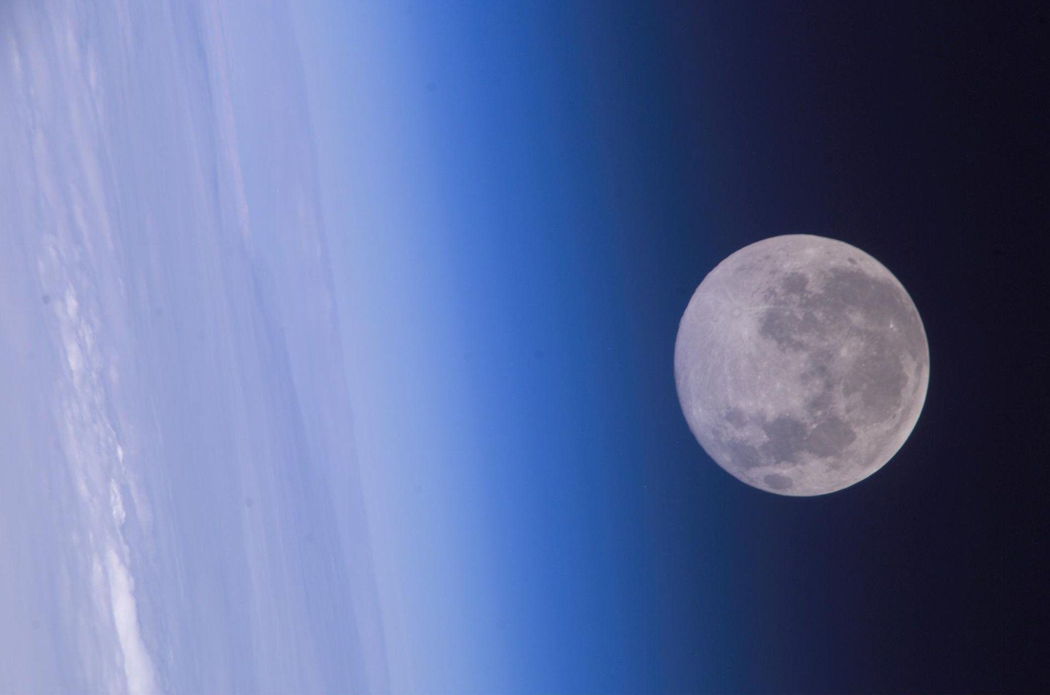 Novembers full beaver moon to shine bright tonight and