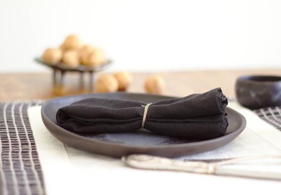 Modern napkins - black linen cloth napkin for modern Scandinavian style, luxury and black wedding ta #clothnapkins