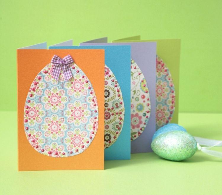 Osterkarte mit bunten Ostereiern dekoriert
