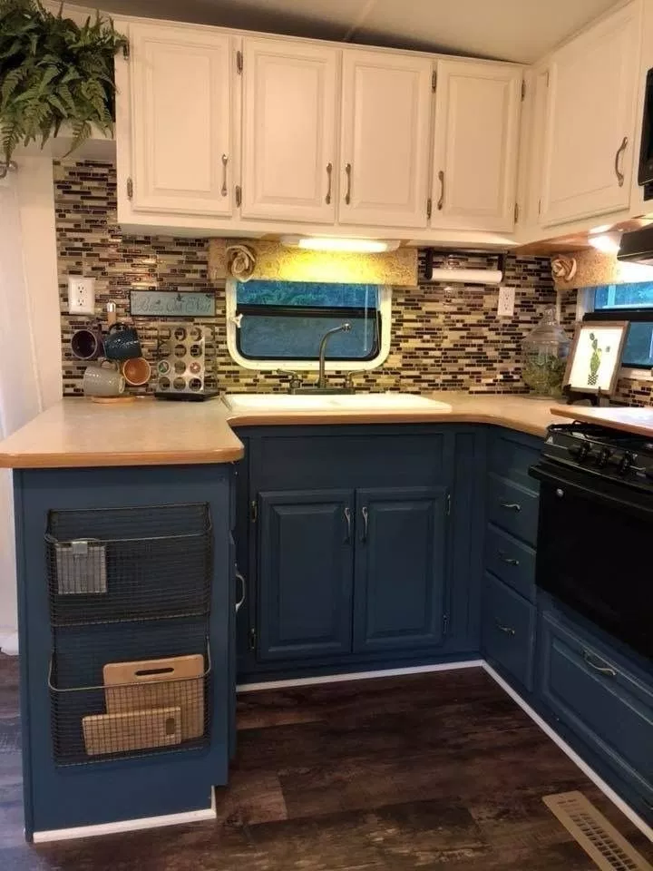 36 Amazing Trailer Rv Remodel For Spring Camper Ideas With Images