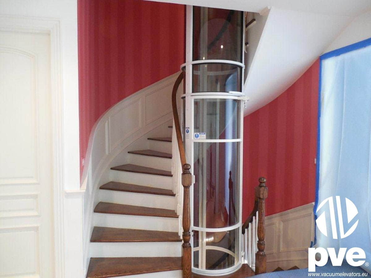 Best Unique House Design With Red Spiral Staircase And Vacuum 400 x 300