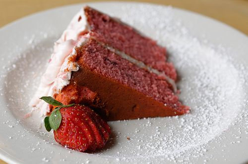 Strawberry Cake with Cream Cheese Frosting #recipe  http://frugalnewenglandkitchen.com/fresh-strawberry-cake-and-cream-cheese-frosting/