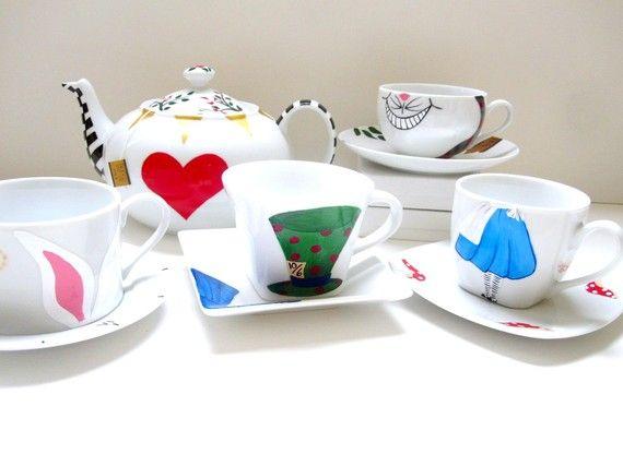 alice tea set inside pinterest porzellan tisch und getr nke. Black Bedroom Furniture Sets. Home Design Ideas
