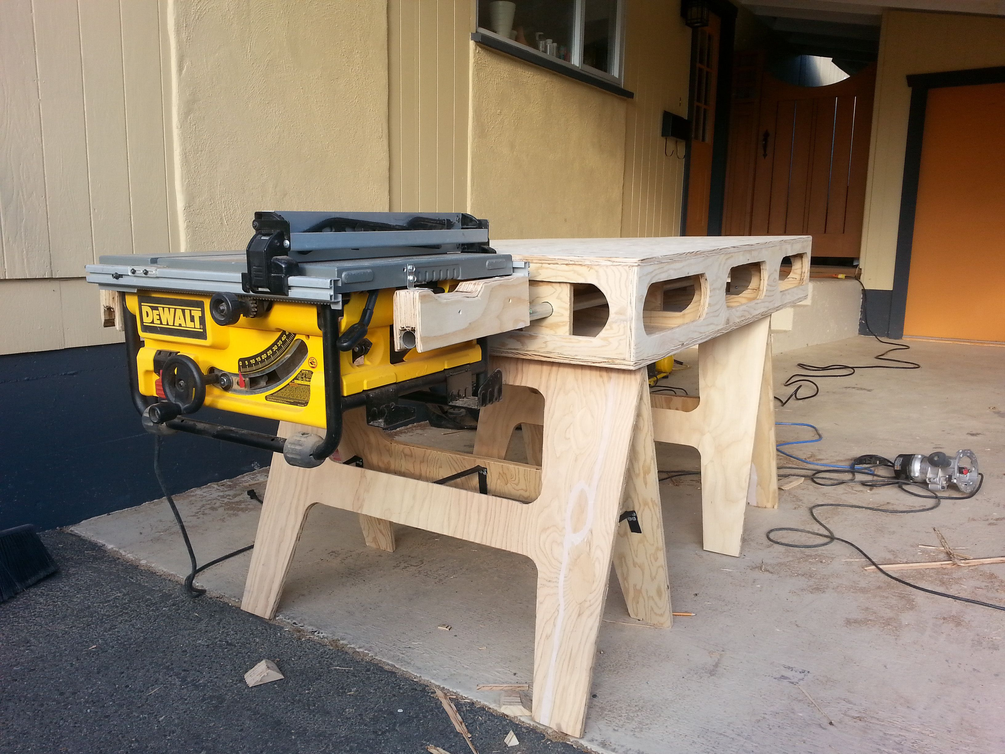 The Paulk Workbench Workbench Paulk Woodworking Diy Dewalt Saw Workbench Pinterest