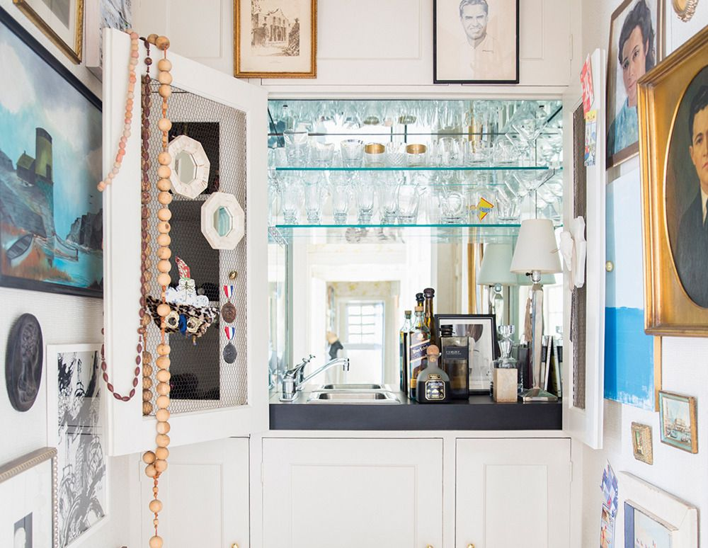 a 6,000-square-foot modern home makeover | Square feet, Squares and Bar